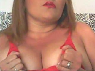 LatinVaneza - Sexy live show with sex cam on XloveCam