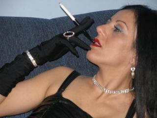 FetisQueen - Show x with this White Dominatrix