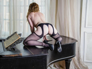 Gallery picture of RedheadLady