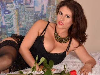 ChaudeLucy - Sexy live show with sex cam on XloveCam®