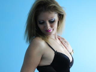 SeleMary - Sexy live show with sex cam on XloveCam®