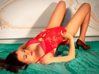 LovelyEmma - Webcam hot with a being from Europe Hot babe