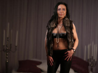 OneIrresistibleGirl - Sexy live show with sex cam on XloveCam®