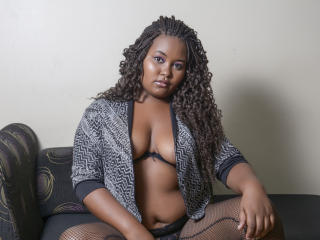 KiaraBlack - Sexy live show with sex cam on XloveCam®