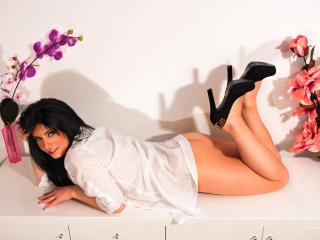 Sexy nude photo of CharmingEllise