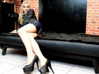 UrInnocentBabe - Sexy live show with sex cam on XloveCam®