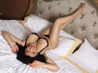 BelleLarraDD - Sexy live show with sex cam on XloveCam
