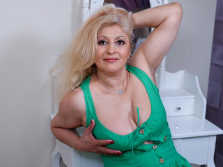 MatureEroticForYou - Chat live sexy with a European MILF