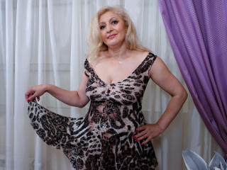 MatureEroticForYou - chat online xXx with this shaved vagina Sexy mother