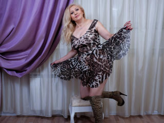MatureEroticForYou - Web cam x with a platinum hair Mature