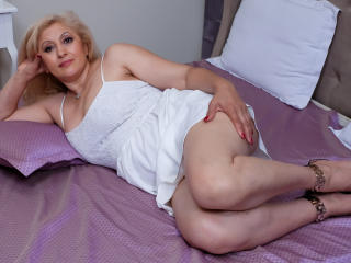 MatureEroticForYou - Live chat x with this shaved pussy Mature