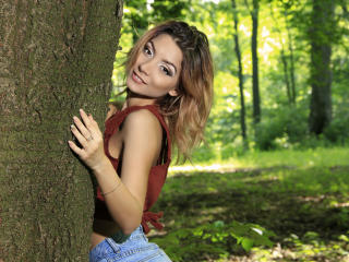 LaraJoy - chat online exciting with this chocolate like hair Sexy babes