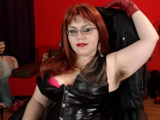 KaryQueen - Show sexy et webcam hard sex en direct sur XloveCam®