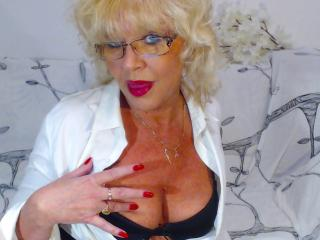 BlondeHouseWife - Sexy live show with sex cam on XloveCam