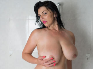 MILFDelicious - Sexy live show with sex cam on XloveCam