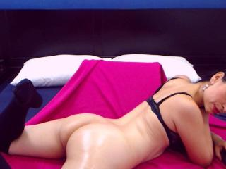 AnnaRoss - Chat live xXx with a White Hot babe
