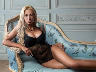 AmazingMiranda - Sexy live show with sex cam on XloveCam®