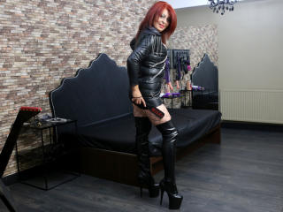 RedHeadLover - Live nude with this enormous melon Mistress
