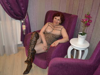 LynetteForYou - Webcam live xXx with a ginger Horny lady