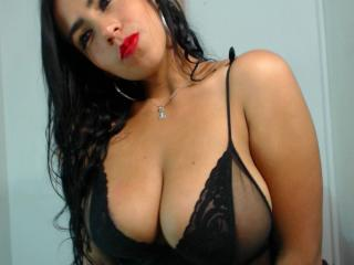 ChatteReves - Sexy live show with sex cam on XloveCam®