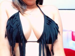CaylianFox - Sexy live show with sex cam on XloveCam®