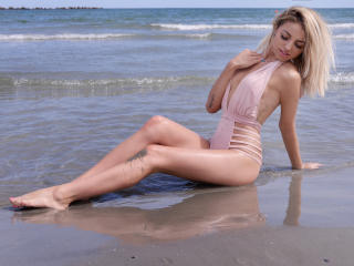 CurtysEstherr - Sexy live show with sex cam on XloveCam®