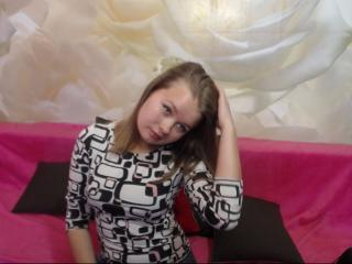 VictoriaCake free adult on webcam