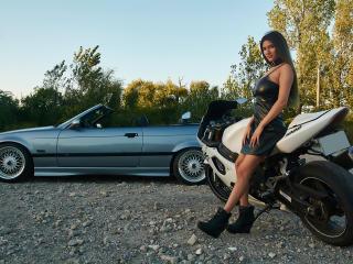 LaraVane photo gallery