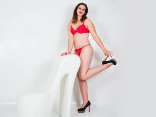 Sexy nude photo of JenniferWalsh