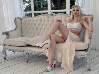 AllisonParadis - Sexy live show with sex cam on XloveCam®