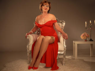 ExperiencedAlana - online show hard with this toned body Sexy mother