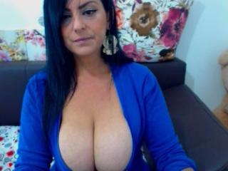 BigBoobElla - Web cam exciting with a shaved pubis Sexy lady