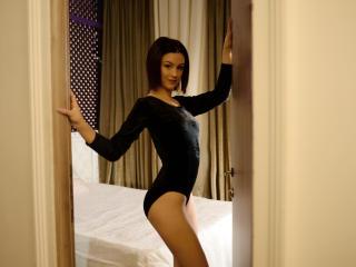 Sexy nude photo of MerlineSuave