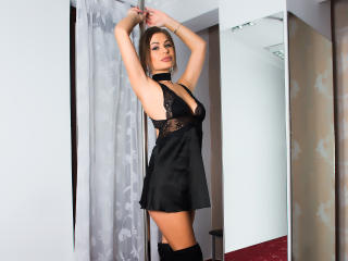 SharonMirage - Web cam nude with a muscular physique Young lady