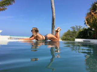 Sexy nude photo of AmazingCandyGirl69
