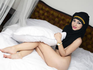 Kaylaa - Sexy live show with sex cam on XloveCam®