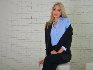 Capricious - Show sexy et webcam hard sex en direct sur XloveCam®