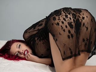 FoxyDevilish - chat online xXx with a shaved pubis Sexy girl