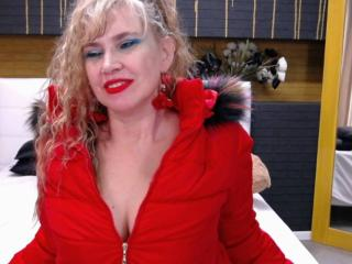 LadyMariahX - Live cam xXx with a standard build Sexy mother