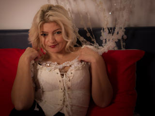 BellexHelen - chat online hot with this White Sexy mother
