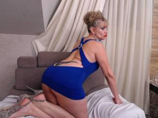 LadyMariahX - online show exciting with this light-haired Sexy mother
