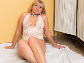 WideDelightX - Web cam xXx with this European Mature
