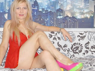 Shyladyshy - Sexy live show with sex cam on XloveCam®