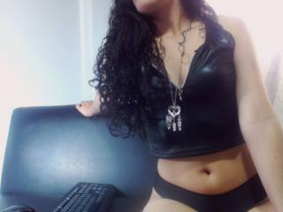 BrunaSquirt - Sexy live show with sex cam on XloveCam®