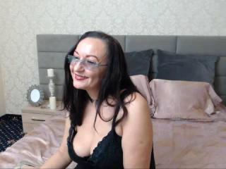 Sexy nude photo of BustyAdellex