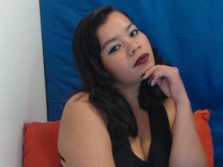 Vallentinaa - Live chat exciting with a brunet MILF