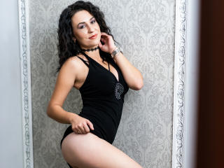 JulieMusk - Live hard with this black hair Sexy girl