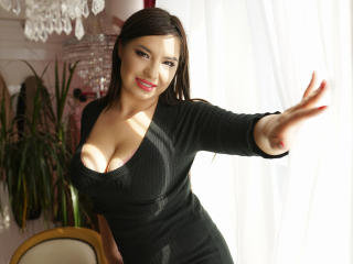MayaRayline - Web cam sex with this being from Europe Sex young lady
