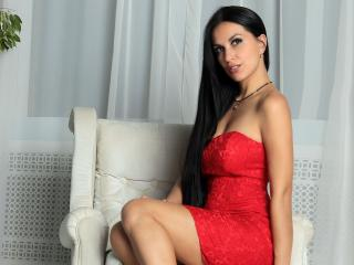 CatrineDi - Chat hard with a Nude young lady with big bosoms