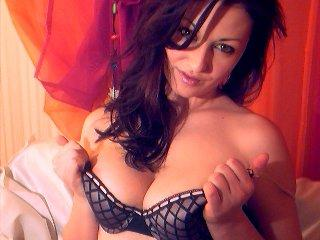 Sexy nude photo of Kenzia